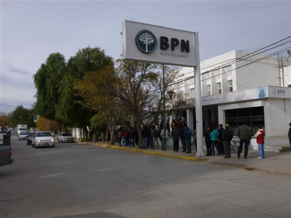 Caos en la zona bancaria de Neuquén | Minuto Neuquen