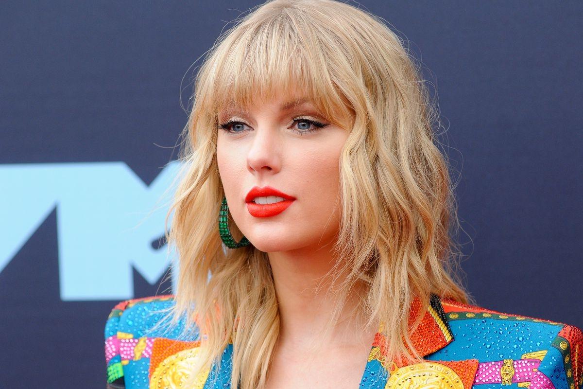 Le permitirán a Swift cantar sus éxitos en vivo