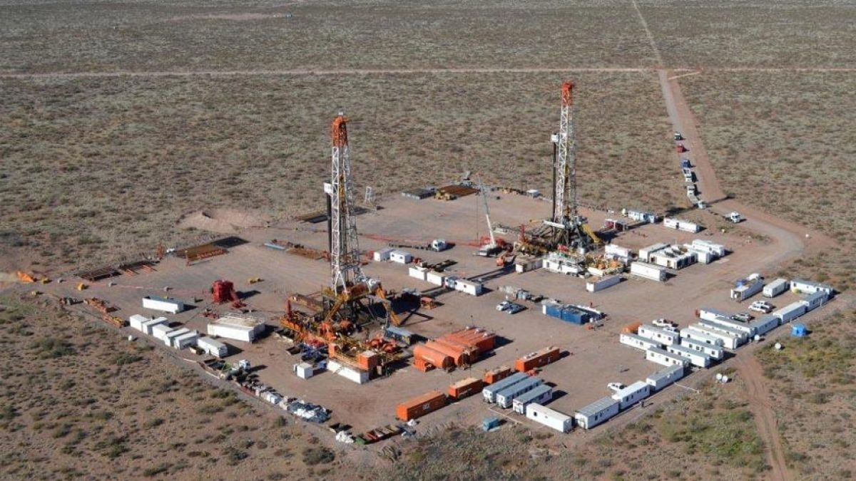 Tecpetrol invertirá $ 4900 millones para sacar petróleo — Vaca Muerta