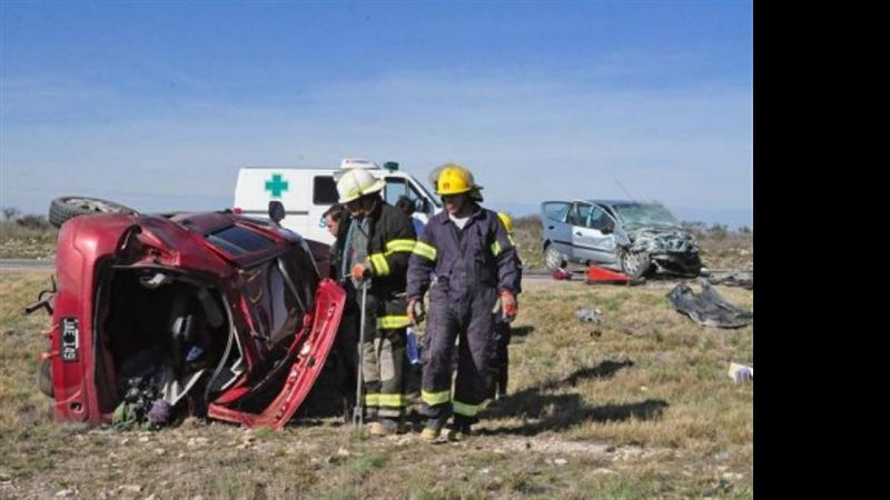 Río Colorado: Muere una familia entera en accidente fatal